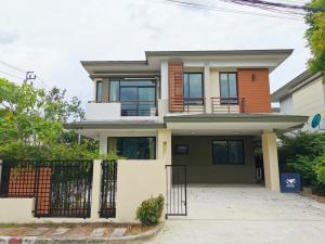 For SaleHouseEakachai, Bang Bon : Prinsiri, Kanchanaphisek Road (Next to Makro Bangbon) Very new renovated house, 4 bedrooms, 3 bathrooms, private corner plot, garden in the house, ready to live in 7.3 million