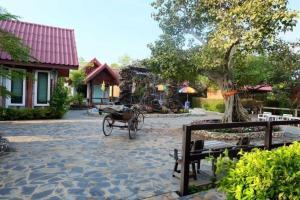 For SaleBusinesses for saleSuphan Buri : Urgent sale, Baan Monrak Lukthung Resort, Suphanburi.