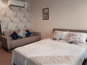 For RentCondoLadprao, Central Ladprao : SK03191 Life Ladprao for rent, size 29 sqm., 17th floor, Building A**, BTS Ha Yaek Lat Phrao **