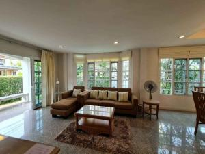 For RentHouseSamrong, Samut Prakan : LBH0165 House for rent. Manthana Village on Srinakarin Road There is furniture ready to move in.