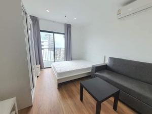 For RentCondoWongwianyai, Charoennakor : For rent Ideo Mobi Sathorn, next to Bts Krungthonburi, fully furnished.