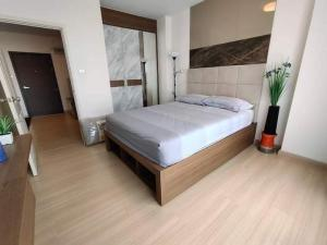 For RentCondoRama9, RCA, Petchaburi : For rent Supalai Veranda Rama 9, beautiful room, fully furnished.