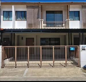 For RentTownhousePattanakan, Srinakarin : For rent Pruksa Ville 73 Soi Phatthanakan 44.