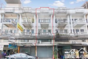 For SaleShophouseRattanathibet, Sanambinna : 3-storey commercial building, Soi Rewadee 69, good location, cheap price, main road