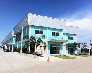 For RentWarehouseBangna, Lasalle, Bearing : Code C4200, warehouse for rent, size 280 square meters, Suksawat, Pracha Uthit, Phra Samut Chedi, Samut Prakan.