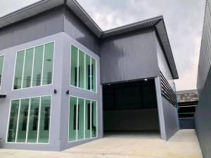 For RentWarehousePattanakan, Srinakarin : (1) BS195 Warehouse with office for rent, 2 floors, just completed, ready to use, Phatthanakan Road, Prawet District