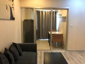 เช่าคอนโดสาทร นราธิวาส : 🔥Urgent For rent new room @ centric sathorn 1 bed big size 39sqm. Ready to move in High floor 15,000 / month 087-7071977