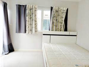 For SaleCondoBangna, Lasalle, Bearing : Condo for sale Notting Hill Sukhumvit 107 corner room 43 sq m. 2 bedrooms 4th floor.