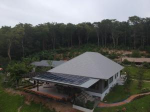For SaleLandSaraburi : 5 rai of land with a house on the mountain, calm and good weather, beautiful view, at Muak Lek District, Saraburi Province.