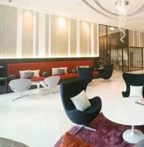 For SaleCondoOnnut, Udomsuk : Condo for sale, good location, Phra Khanong area, Le Luk condo, 2 bedrooms, 2 bathrooms, high floor, can park 2 cars (S2210)