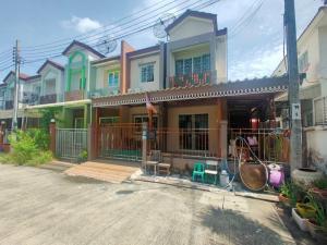 For SaleTownhouseBang kae, Phetkasem : House for sale in the corner, complete, great price, Leo Petchkasem 77