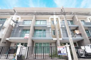 For SaleTownhouseRathburana, Suksawat : 3-storey townhome for sale, Thung Khru, Town Plus Village, Pracha Uthit.