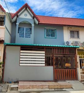 For SaleTownhouseBang kae, Phetkasem : Townhouse for sale Thawee Thong Village 3 is very cheap.