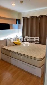 For RentCondoBangna, Lasalle, Bearing : BSCR09 1-bedroom / 1-bathroom Classic kitchen unit for rent at Lumpini Mega City Bangna, includes a balcony