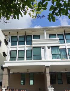 For RentTownhouseSathorn, Narathiwat : 2460-A😊 For RENT Townhouse for rent, 3.5 floors, 4 bedrooms🚄Sang Arun Phra Nakhon Kindergarten and Nursery School Sathon-Narathiwat house area: 30.00 sq wa 🔔 usable area: 240.00 sq m .💲Rent:80,000฿📞O86-454O477✅LineID:@sureresidence