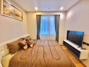 For RentCondoRatchadapisek, Huaikwang, Suttisan : Luxurious room, beautiful decoration, stylish, Supalai Wellington 1 Floor 12A, pool view, make an appointment to see.