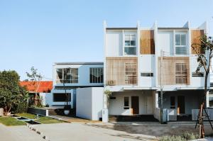 For SaleHouseChiang Mai : C8MG100272 Three-storey Townhouse for sale. 3bedrooms and 3 toilets, 22.4 sq.wa.