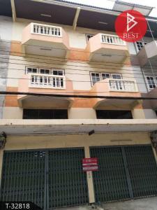 For SaleShophouseSamrong, Samut Prakan : 3.5 storey commercial building for sale in Khlong Bang Pla Kod, Samut Prakan.