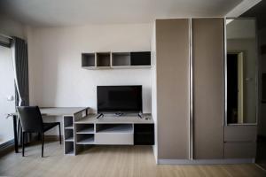For RentCondoRama9, RCA, Petchaburi : Condo for rent, Supalai Veranda Rama 9, spacious room, beautiful decoration.
