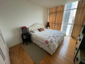 เช่าคอนโดสาทร นราธิวาส : ลดพิเศษ!! เออร์บานา สาทร ถ.สาทรใต้ 1 ห้องนอน ชั้น 20 พื้นที่ 70 ตร.ม. เฟอร์ครบครัน พร้อมเข้าอยู่