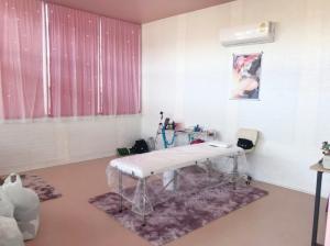 For RentRetailBangbuathong, Sainoi : Nail salon for rent with complete equipment