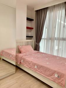 For RentCondoRatchathewi,Phayathai : Condo for rent Ideo Mobi Phayathai fully furnished (Confirm again when visit).