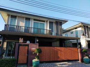 For RentHousePattanakan, Srinakarin : 2 storey detached house for rent, behind the corner with furniture, Passorn Prestige Luxe, beautiful decoration, Soi Phatthanakan 44 (HH2-HN717)