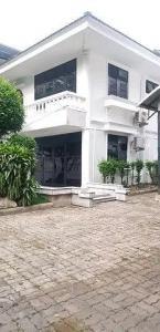 For RentHouseRama9, RCA, Petchaburi : House for rent, 2 storey home office, Rama 9 area, near Central MRT Rama 9 (HH2-HN647).