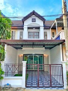 For SaleTownhouseBangbuathong, Sainoi : 🏡 Lumpini Village 🏡 Good location, next to the main road Kanchanaphisek ✨