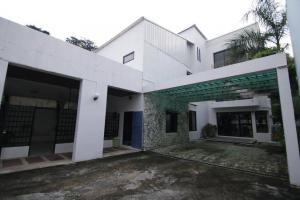 For RentHouseSukhumvit, Asoke, Thonglor : Ekkamai 4 bedroom detached house