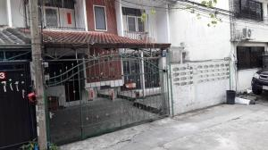 For RentTownhouseRamkhamhaeng, Hua Mak : Townhouse for rent, 2 floors, Soi Ramkhamhaeng 27, convenient transportation, near Ramkhamhaeng University (HH2-HN752).