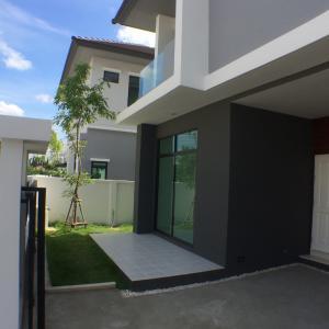 For RentHouseRamkhamhaeng Nida, Seri Thai : House for rent, 2 floors, Aura University, Soi Ramkhamhaeng 94, near Pure Place Ramkhamhaeng (HH2-HN759).