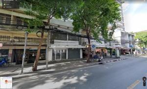 For RentShophouseRatchadapisek, Huaikwang, Suttisan : Rent a commercial building, 2 booths, hit through each other, beautiful decoration, next to Pracha Songkhro 31 Road, near MRT Huai Khwang (HH2-HN762)