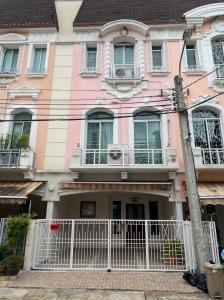 For RentTownhouseRatchadapisek, Huaikwang, Suttisan : 3-storey townhome for rent with furniture, Baan Klang Muang Grand de Paris Ratchada, near Singapore International School (HH2-HN763)