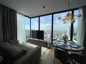 For RentCondoRama9, RCA, Petchaburi : The Best price for rent 2 bed Ashton Asoke rama9 45,000/month 📍