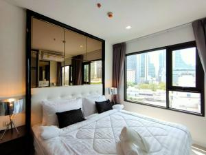 For RentCondoWitthayu,Ploenchit  ,Langsuan : Urgent for rent Life ONE WIRELESS 📍 Condo in the heart of the city on Wireless Road.