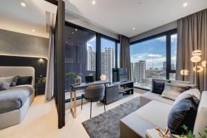 ขายคอนโดพระราม 9 เพชรบุรีตัดใหม่ : ราคาพิเศษ 1 ห้องนอน ขนาดใหญ่ Ashton Asoke Rama9 ราคา 8.79 ล้านบาท ติดต่อ 0869017364