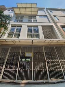For RentTownhouseAri,Anusaowaree : Townhome for rent, 4 floors, Soi Aree Samphan 3, near BTS Ari, registered as a company.