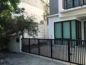 For RentTownhouseKaset Nawamin,Ladplakao : For rent Areeya Mowa Lat Pla Khao Kaset Nawamin **corner plot