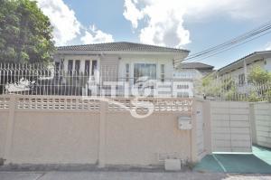 เช่าบ้านสุขุมวิท อโศก ทองหล่อ : MSHR10 Private House Ekkamai Soi 22