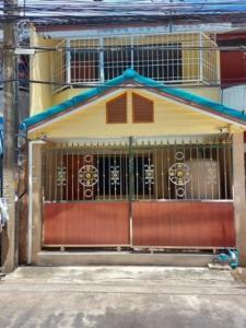 For SaleTownhouseSamrong, Samut Prakan : 2 storey townhouse for sale near Phraeksa BTS station.