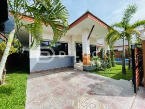 For SaleHousePattaya, Bangsaen, Chonburi : Quick sale!! Pool Villa house 3 bedrooms with pool