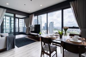 ขายคอนโดพระราม 9 เพชรบุรีตัดใหม่ : Ideo Mobi Asoke ขาย 2 ห้องนอน ชั้นสูง วิวสวยมาก แต่งสวย คอนโดใกล้ MRT เพชรบุรี สนใจนัดชมห้องจริง ติดต่อ เฟิน 062-339-3663