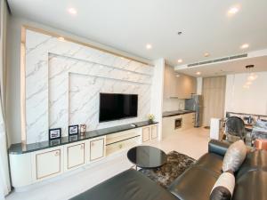 For RentCondoWitthayu,Ploenchit  ,Langsuan : Noble Ploenchit, Luxury 2bed 2baht for rent