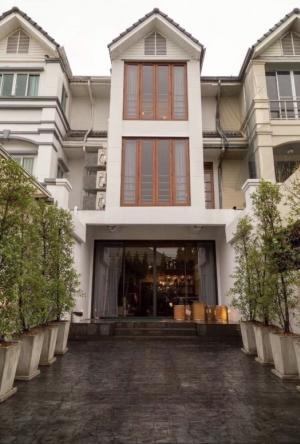 For RentTownhouseSukhumvit, Asoke, Thonglor : 3-storey townhome for rent, beautiful decoration, Soi Ekamai