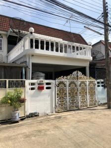 For RentTownhouseBang Sue, Wong Sawang : Townhouse for rent, Soi Chotiwat 3, Bang Sue.