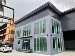 For RentWarehousePattanakan, Srinakarin : Office for rent with warehouse, size 450 sq.m., Soi Phatthanakan, Prawet District, Bangkok.