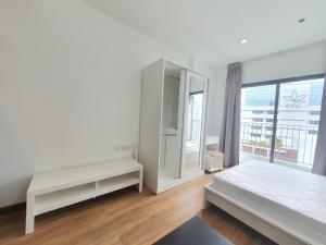 For RentCondoWongwianyai, Charoennakor : 📍LINE ID: @twproperty 🌟 Rent IDEO Mobi Sathorn 🌟 Fully furnished Cheapest price!!!!
