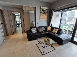 For RentCondoSukhumvit, Asoke, Thonglor : 2 Bedrooms at The Lofts Asoke for Rent