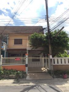 For RentHouseRama 2, Bang Khun Thian : Townhouse for rent at the corner, next to the garden, Rama 2 Road, Soi 36.
